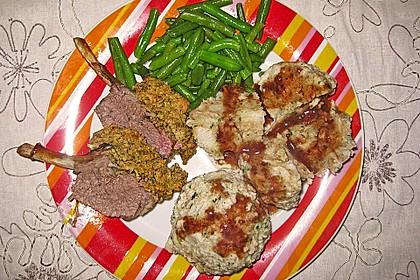 Gebeiztes Buttermilch - Lamm mit Senf - Kräuter - Kruste