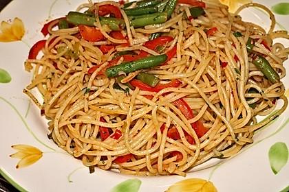 Gebratene Spaghetti mit Gemüse 2