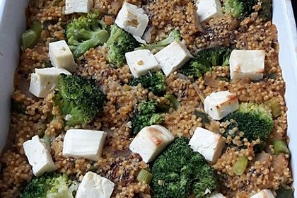 Brokkoli-Hirse mit Feta/Schafskäse 16
