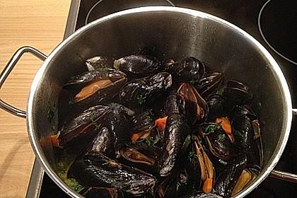 Muscheln in Weißwein 2