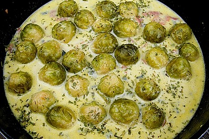 Bunte Nudeln mit Rosenkohl in Gorgonzola-Sauce 15