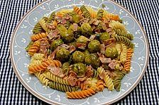Bunte Nudeln mit  Rosenkohl in Gorgonzola - Sauce