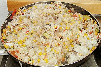 Bunte mediterrane Gemüsepfanne mit Reis 16