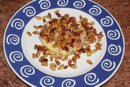 Lauwarm gratinierter Ziegenkäse mit Knoblauch an Rosmarin - Honig Sirup 10