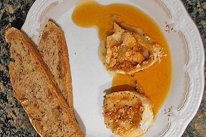 Lauwarm gratinierter Ziegenkäse mit Knoblauch an Rosmarin - Honig Sirup 12
