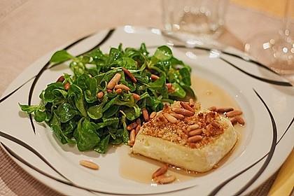 Lauwarm gratinierter Ziegenkäse mit Knoblauch an Rosmarin - Honig Sirup 2