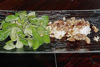 Lauwarm gratinierter Ziegenkäse mit Knoblauch an Rosmarin - Honig Sirup 6