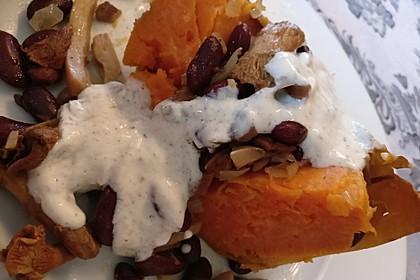 Gebackene Süßkartoffeln gefüllt mit Pilzen 67