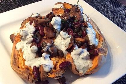Gebackene Süßkartoffeln gefüllt mit Pilzen 33