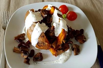Gebackene Süßkartoffeln gefüllt mit Pilzen 25
