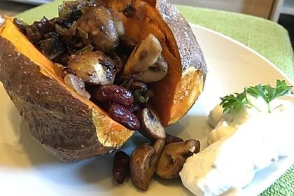 Gebackene Süßkartoffeln gefüllt mit Pilzen 55