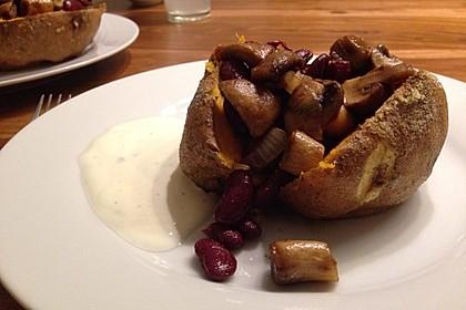 Gebackene Süßkartoffeln gefüllt mit Pilzen 75