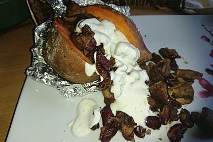 Gebackene Süßkartoffeln gefüllt mit Pilzen 89