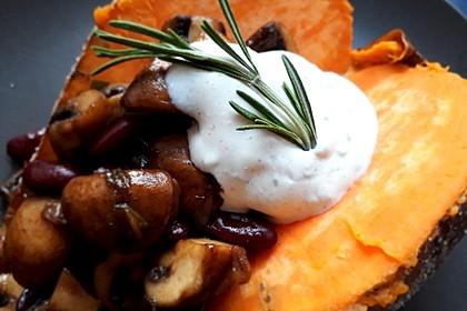 Gebackene Süßkartoffeln gefüllt mit Pilzen 8