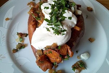 Gebackene Süßkartoffeln gefüllt mit Pilzen 54