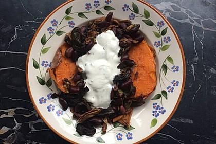 Gebackene Süßkartoffeln gefüllt mit Pilzen 59