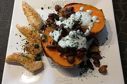 Gebackene Süßkartoffeln gefüllt mit Pilzen 52