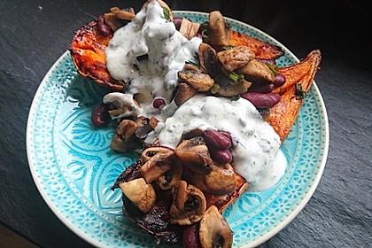 Gebackene Süßkartoffeln gefüllt mit Pilzen 57