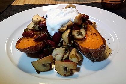 Gebackene Süßkartoffeln gefüllt mit Pilzen 32
