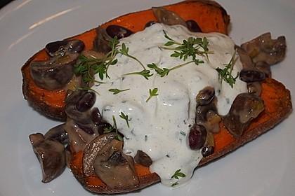 Gebackene Süßkartoffeln gefüllt mit Pilzen 60