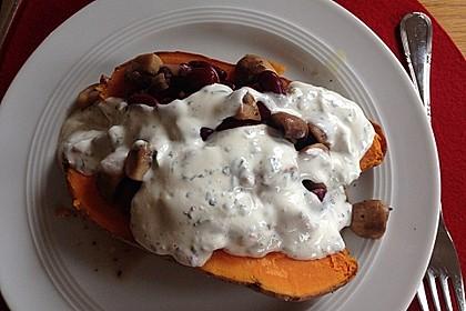 Gebackene Süßkartoffeln gefüllt mit Pilzen 62