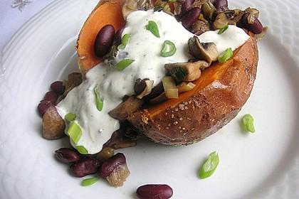 Gebackene Süßkartoffeln gefüllt mit Pilzen 12