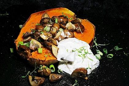 Gebackene Süßkartoffeln gefüllt mit Pilzen 2