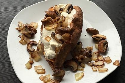 Gebackene Süßkartoffeln gefüllt mit Pilzen 34