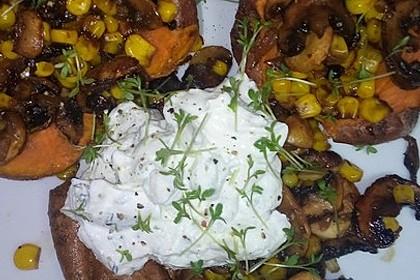 Gebackene Süßkartoffeln gefüllt mit Pilzen 47