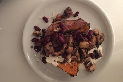 Gebackene Süßkartoffeln gefüllt mit Pilzen 46