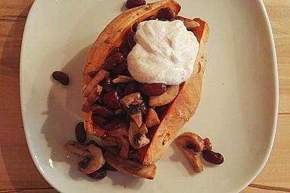 Gebackene Süßkartoffeln gefüllt mit Pilzen 24