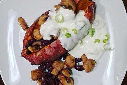 Gebackene Süßkartoffeln gefüllt mit Pilzen 38