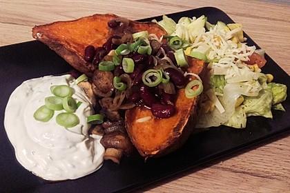 Gebackene Süßkartoffeln gefüllt mit Pilzen 4
