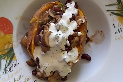 Gebackene Süßkartoffeln gefüllt mit Pilzen 68