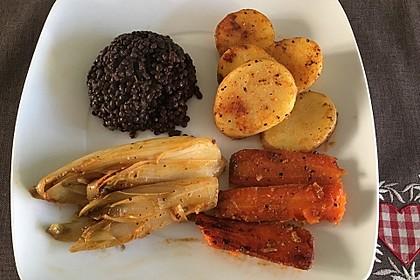 Beluga-Linsen mit gebratenem Chicoree, Karotten und Kartoffeln 1