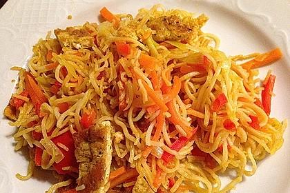 Gebratene Mie-Nudeln mit Ei und Gemüse 2