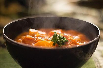 Kartoffelgulasch mit Sauerkraut und Sojaschnetzel