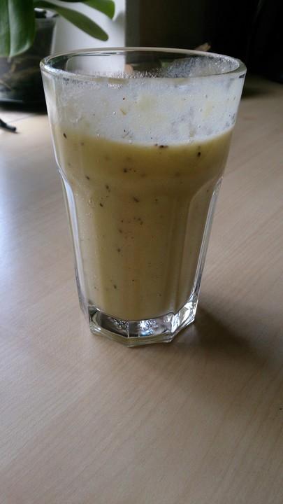 ananas kiwi bananen smoothie rezept mit bild von smoothies4you. Black Bedroom Furniture Sets. Home Design Ideas