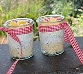 Frühstücks-Couscous mit Joghurtcreme und Früchten