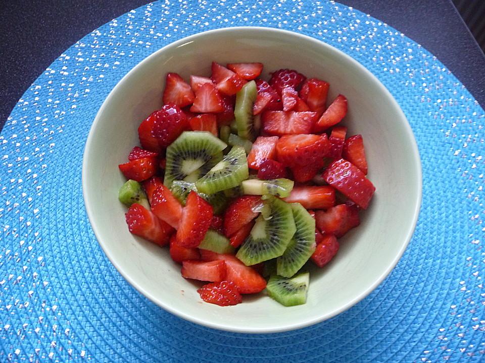 erdbeer kiwi salat rezept mit bild von peachpie12. Black Bedroom Furniture Sets. Home Design Ideas