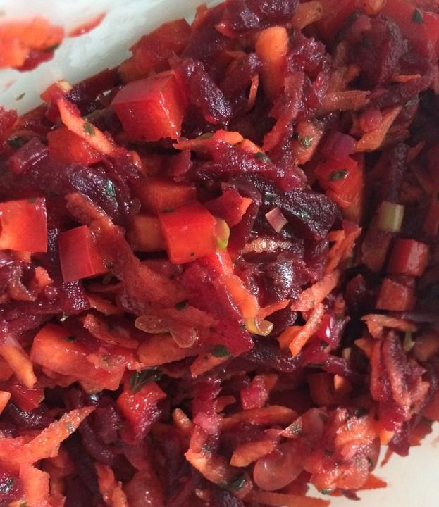karotten rote bete salat rezept mit bild von annagela33. Black Bedroom Furniture Sets. Home Design Ideas