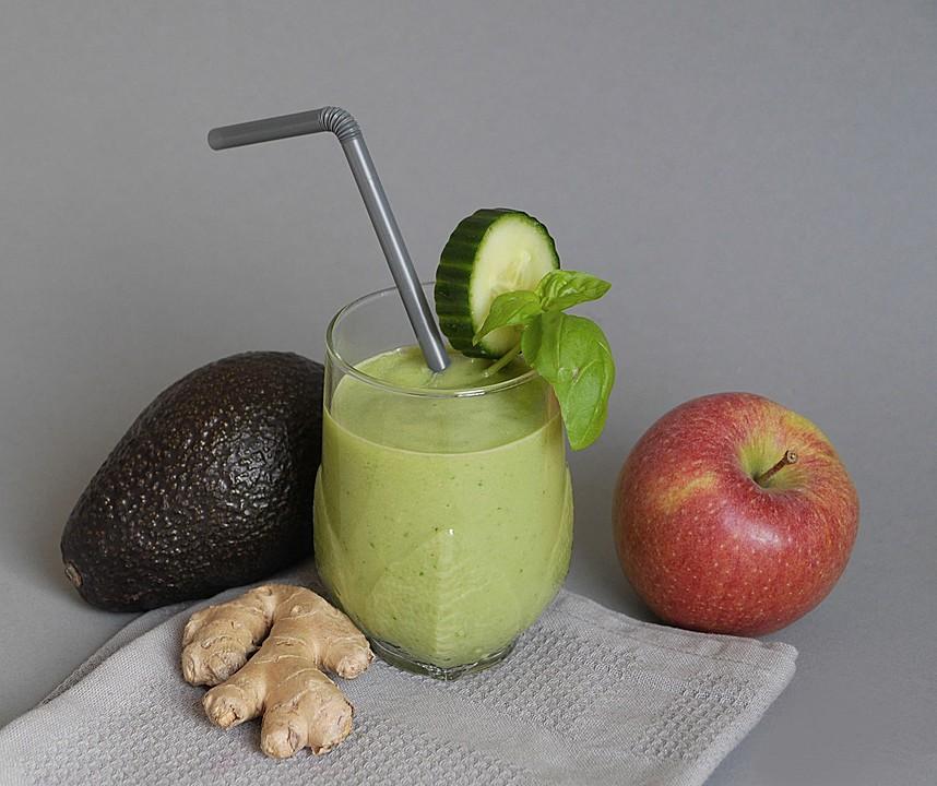 avocado smoothie mit apfel gurke und basilikum rezept mit bild. Black Bedroom Furniture Sets. Home Design Ideas