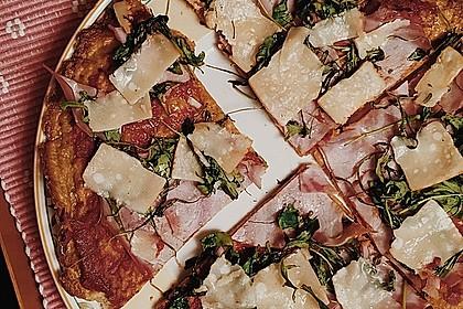 Pizza ohne Mehl mit Thunfisch und Mozzarella 1