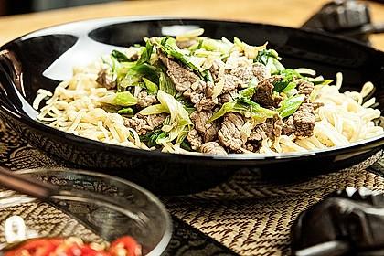 Gebratene Rindfleisch-Nudeln - Asia Style