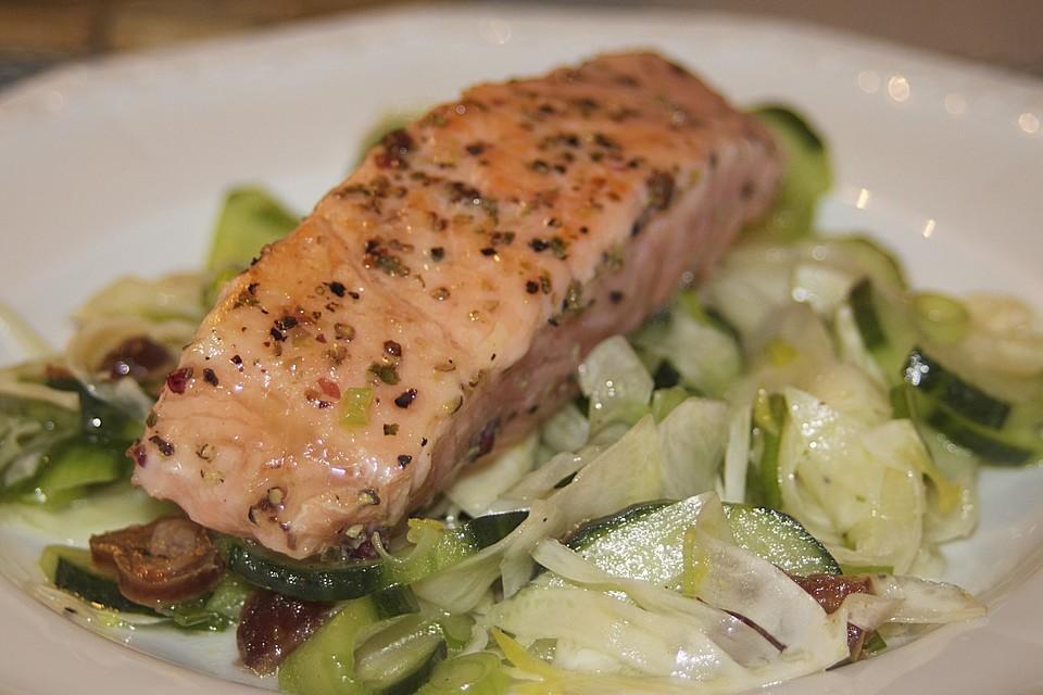 fenchel gurken salat mit lachs und datteln rezept mit bild. Black Bedroom Furniture Sets. Home Design Ideas