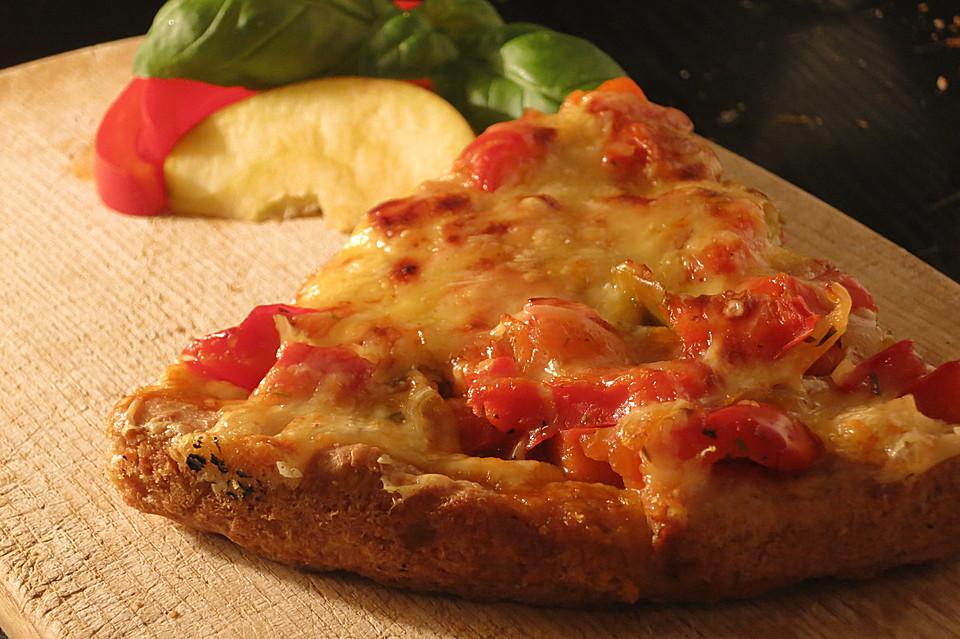 paprika apfel pizza mit dinkelboden von wahnwurz. Black Bedroom Furniture Sets. Home Design Ideas