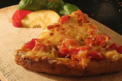 paprika apfel pizza mit dinkelboden rezept mit bild. Black Bedroom Furniture Sets. Home Design Ideas