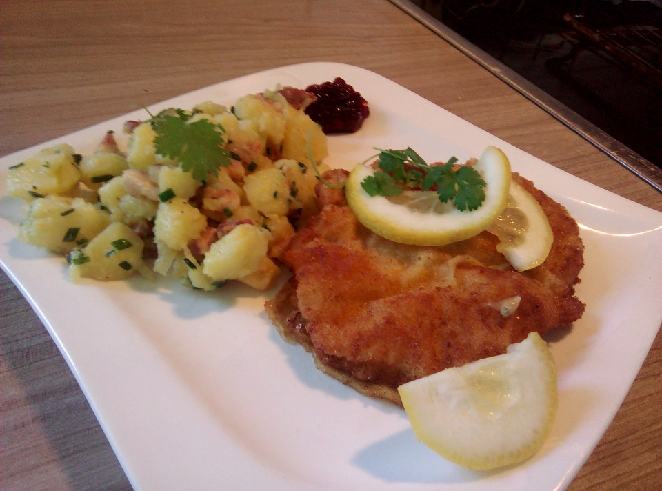 wiener schnitzel mit kartoffelsalat von mreinart. Black Bedroom Furniture Sets. Home Design Ideas