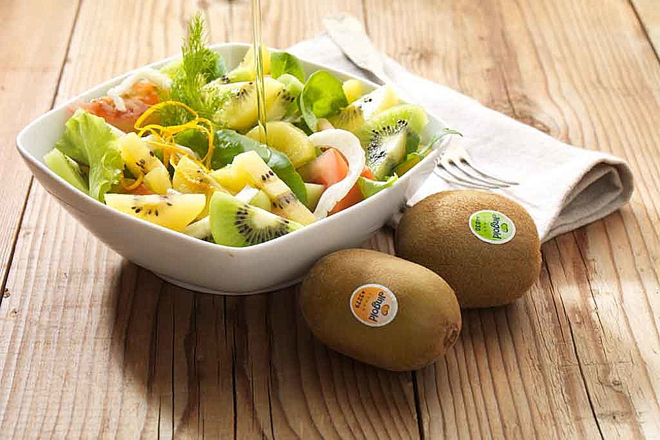 kiwi salat rezept mit bild von jingold kiwi. Black Bedroom Furniture Sets. Home Design Ideas