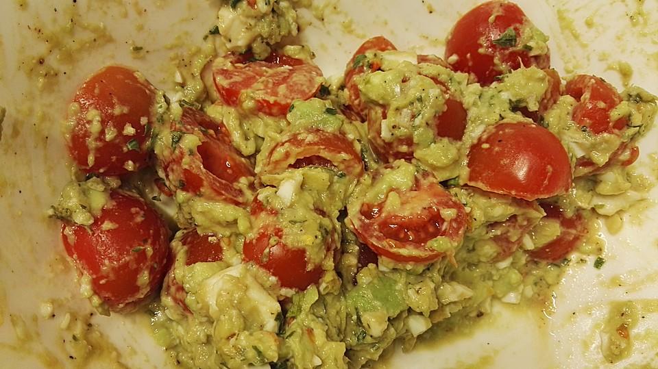 Tomaten-Avocado-Salat mit Ingwer und Ei von Heimkocher | Chefkoch.de